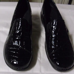 Clarks Bendables Women's  Slip On Shoes